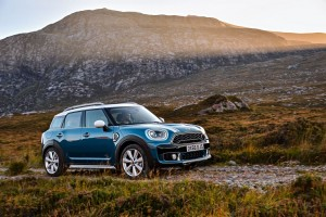 WORLD PREMIER: 2017 MINI COUNTRYMAN