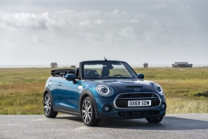 MINI release a new version of the new LE Sidewalk Convertible :